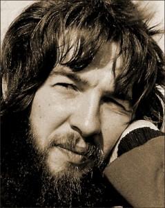 C. L. en 1977